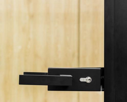 Γυάλινη πόρτα γραφείου