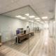 Γυάλινο διαχωριστικό γραφείου από τη Ribas Glass