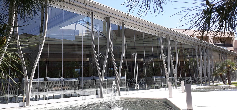 Πρόσοψη καταστήματος από τη Ribas Glass