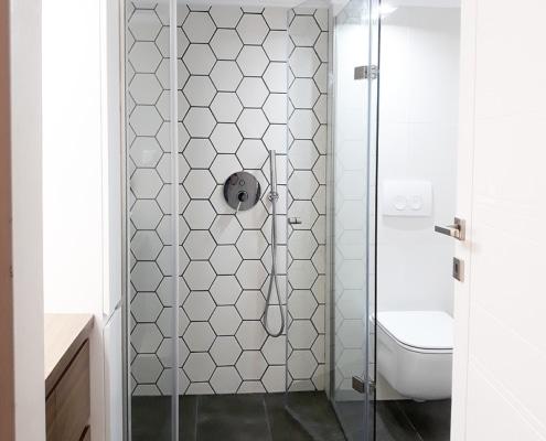 Καμπίνα μπάνιου ανοιγόμενη