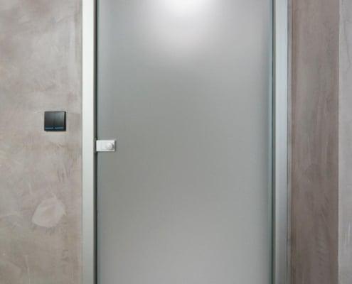 Γυάλινη πόρτα σατινέ