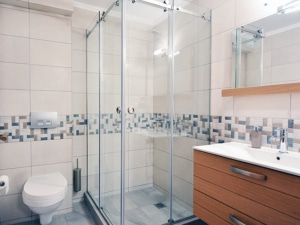 Καμπίνες μπάνιου