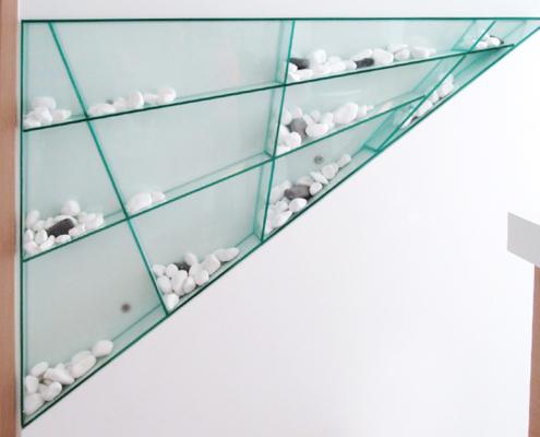 Γυάλινα τριγωνικά ράφια