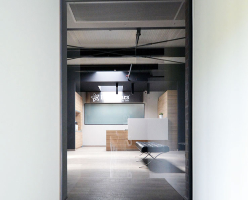 Γυάλινη αυτόματη πόρτα