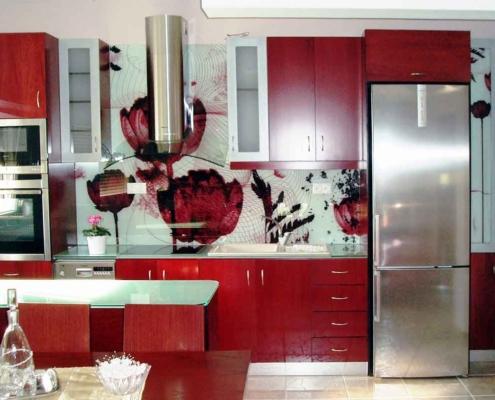 Ψηφιακή εκτύπωση σε γυάλινη πλάτη κουζίνας